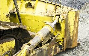 Odstraňuje ezi na vozidlech, kovových konstrukcích apod.